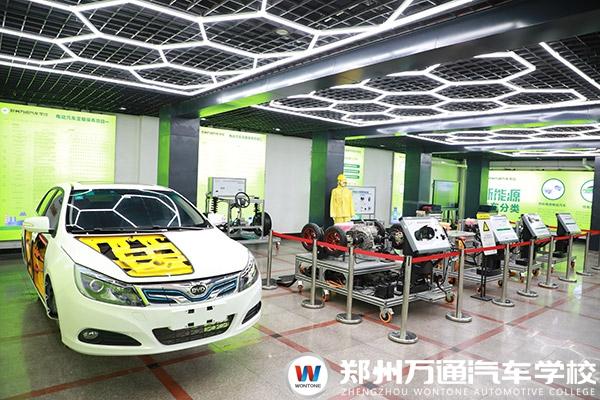 学新能源汽车技术,前景开阔未来可期