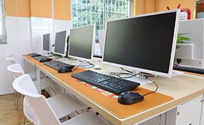 郑州万通汽车学校_校园免费洗衣区